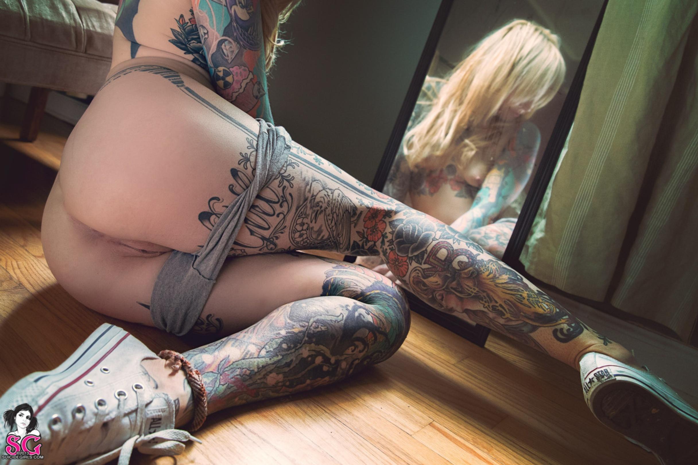 Voluptuous naked brazilian girls